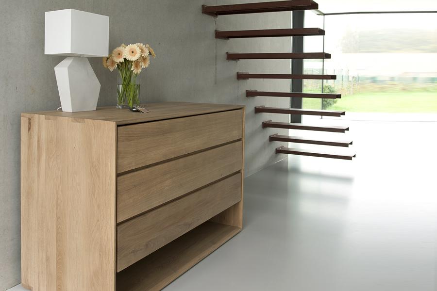 Gode overvejelser til at vælge den rigtige kommode er plads i boligen og stil.