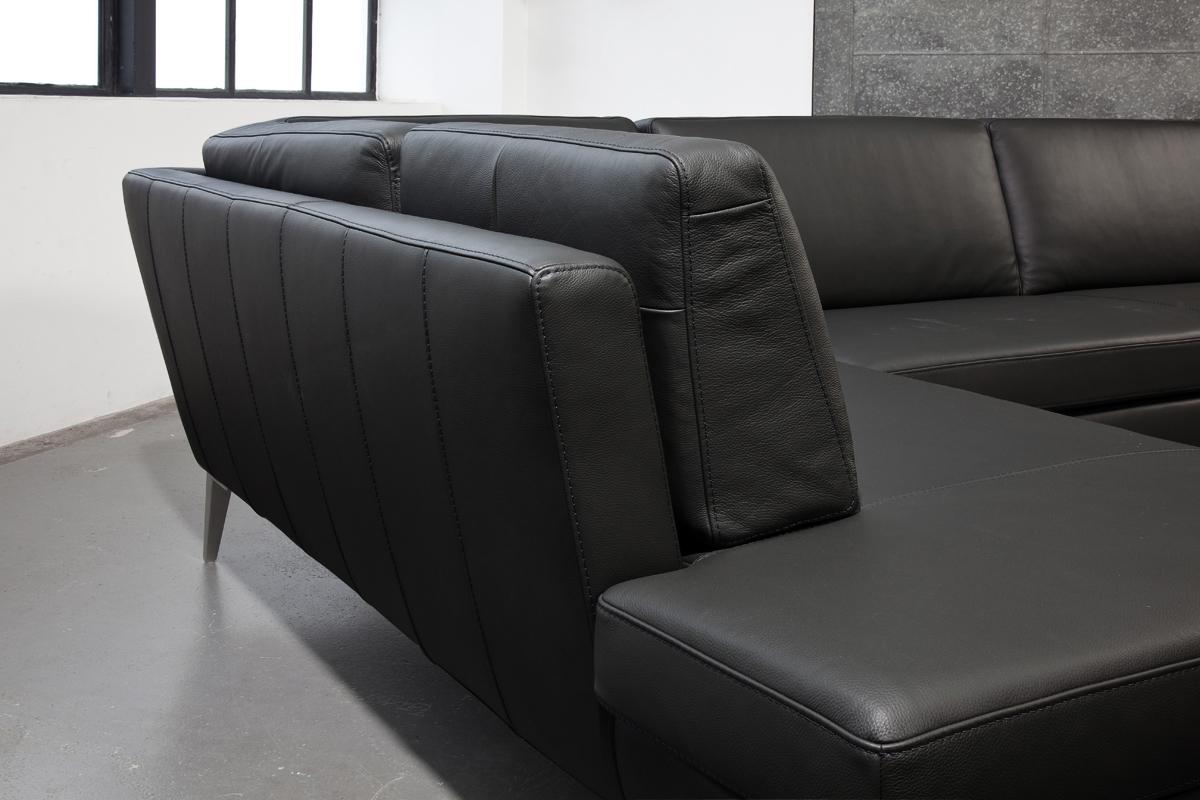 Sofa på lagersalg med den sorte Visano lædersofa fra BoShop Collection.