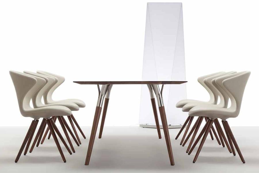 Er du på udkig efter et godt spisestuestole design, så kan Concept wood spisebordsstolen fra Tonon med Soft touch måske være noget for dig.