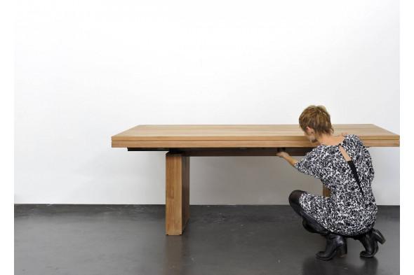 Billede af Double Teak spisebord i træ hos BoShop - Spiseborde i Århus.