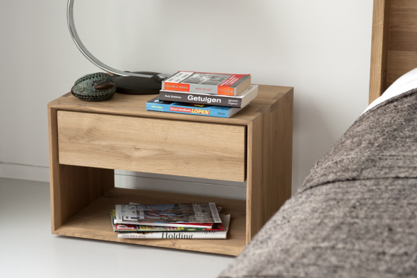 Billede af Nordic Eg natbord i træ hos BoShop.