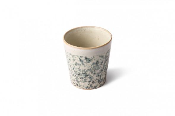 Billedet viser keramik kaffekop i farven Hail. Find inspiration til fine krus og kopper i vores møbelhuse i Aarhus og Aalborg.