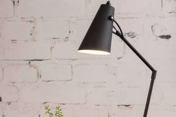 Billede af Borre gulvlampe hos BoShop - Lamper i Aarhus.