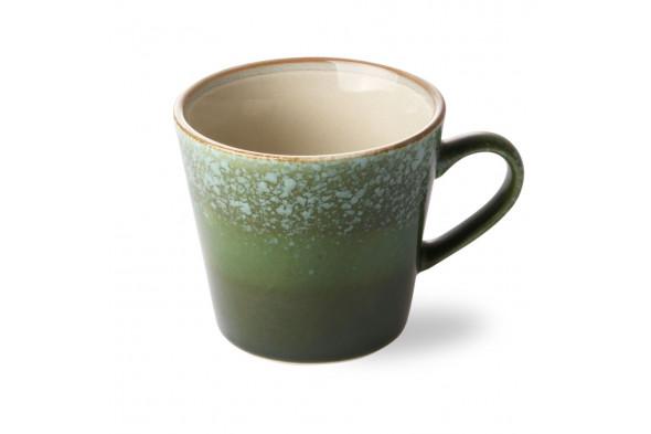 Billedet visualiserer den fineste keramik cappuccino kop i grønne farver. Koppen byder naturens smukke farver inden døre.