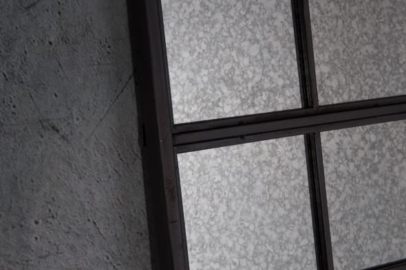 Billede af Vintage Window spejl hos BoShop - Spejle i Aarhus.