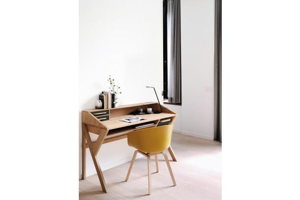 Billede af Mr. Marius Origami skrivebord i træ hos BoShop.
