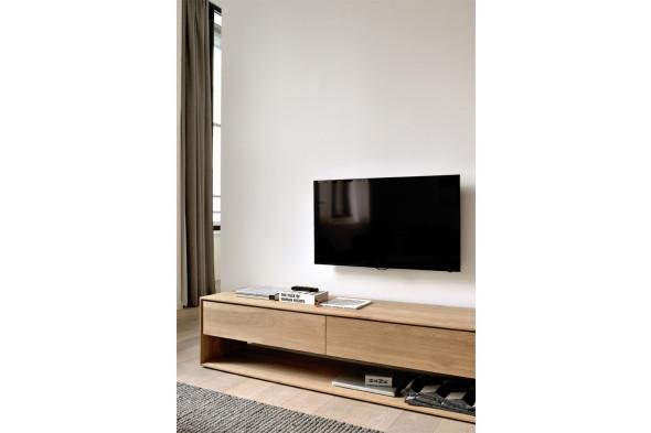 Billede af Nordic Eg tv-bord i træ hos BoShop.