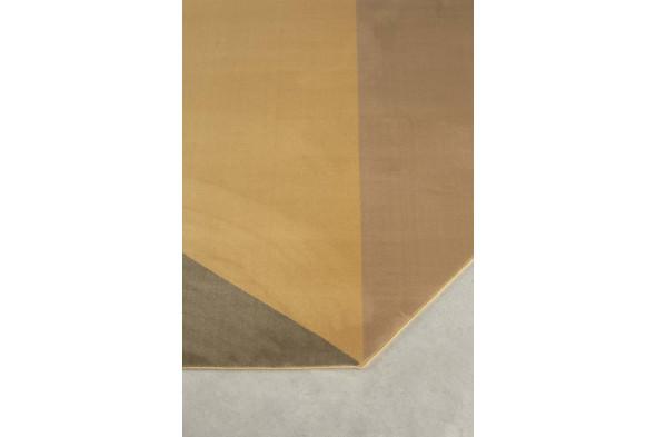 Billede af Harmony gulvtæppe i brune nuancer fra Zuiver. Find inspiration til indretningen samt udvalget af gulvtæpper hos BoShop.