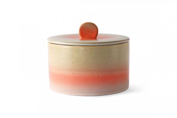 Billede af 70'er keramik kagedåse i nuancen Venus. Lad dig inspirere af HKlivings 70'er keramik kollektion i BoShop.