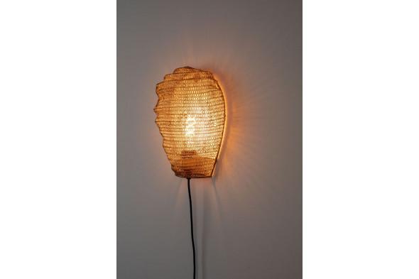 Billede af Lena væglampe i messing fra Decoholic. Find inspiration til indretningen i hjemmet samt udvalget af lamper hos BoShop.