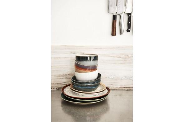 Billede af 70'er keramik pasta skål i nuancen Mosgrøn. Find inspiration til borddækningen og service hos BoShop i Aarhus og Aalborg.