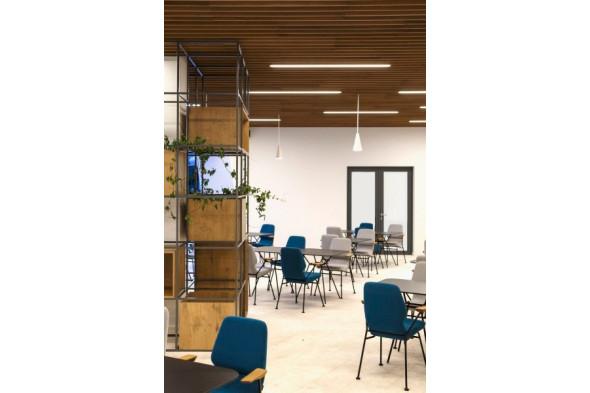 Billede af Oblique metal spisebordsstol hos BoShop - Spisebordsstole i Århus.