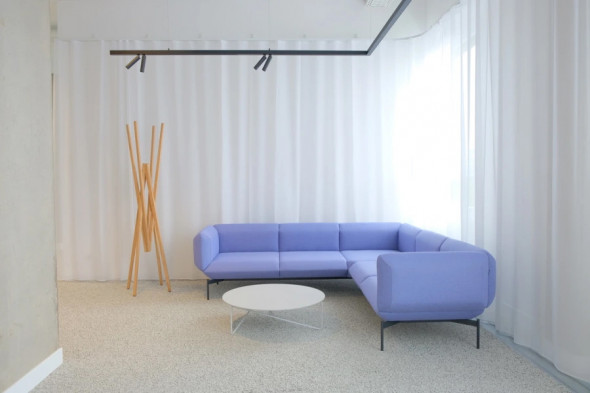 Billede af Simetria stumtjener hos BoShop - Entremøbler i Aarhus og Aalborg.