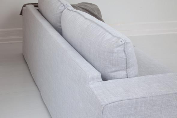 Billede af Abbe stofsofa Scilla - Light Grey - Sofa i stof hos BoShop - Sofaer i Aarhus og Aalborg.