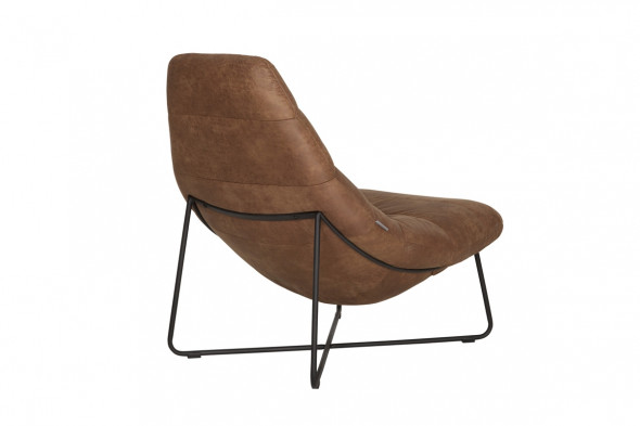 Line lounge stol fra SMOKESTACK hos BoShop.