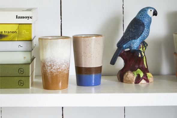 Billede af 70'er keramik tekrus, et sæt med to krus. Find inspiration til fine krus og kopper i vores møbelhuse i Aarhus og Aalborg.