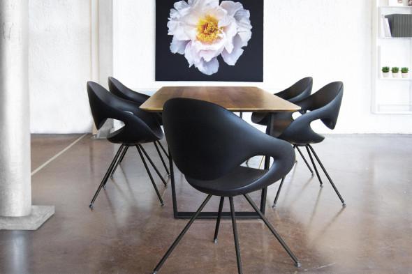 Billede af Moon metal Soft touch spisebordsstol hos BoShop - Spisebordsstole i Aarhus og Aalborg.