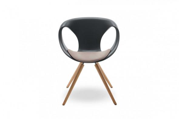 Billede af Up chair wood Medium Soft touch spisebordsstol hos BoShop - Spisebordsstole i Århus.