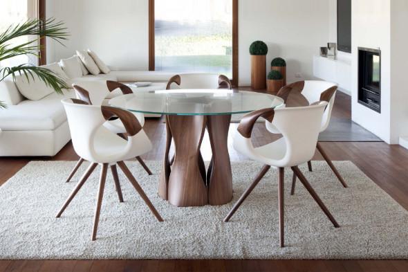 Billede af Up chair wood Medium Soft touch spisebordsstol med træ armlæn hos BoShop - Spisebordsstole i Århus.
