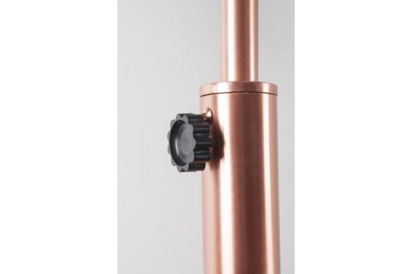 Billede af Metal Bow gulvlampe hos BoShop - Lamper i Århus.