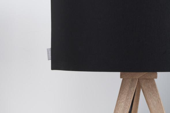 Billede af Tripod Wood bordlampe hos BoShop - Lamper i Århus.