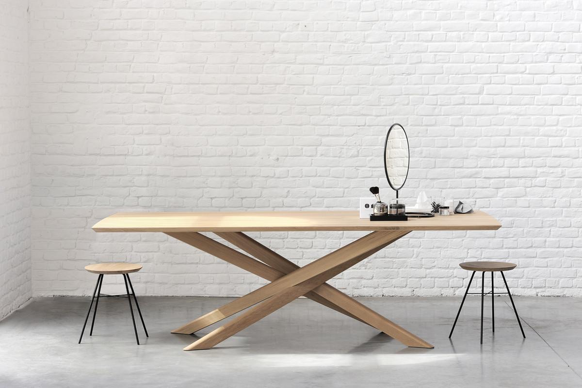 Ethnicraft - Mikado Eg spisebord i træ hos BoShop