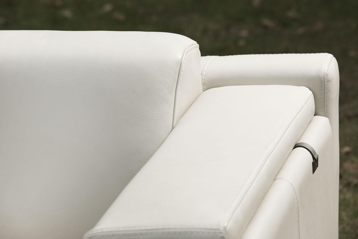 hvid lædersofa med chaiselong