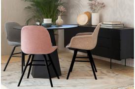 Her ses den polstrede Albert Kuip spisebordsstol fra Zuiver.