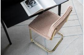 Her ses et billede af Teddy spisebordsstolen fra Zuiver.