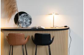 Her ses et billede af Brit LL barstol fra Zuiver.