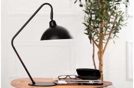 Orion bordlampe er en elegant bordlame til hjemmekontoret eller stuen.