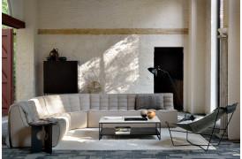 Her ses et billede af N701 sofaen i beige fra Ethnicraft.