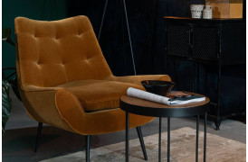 Lænestol med fløjlsbeklædning som man kender det fra 70'erne.