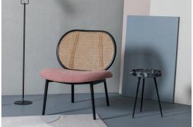 Spike lounge stolen fra Zuiver ses her i en boligindretning.