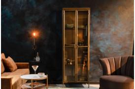 Opbevar dine yndlingsgenstande i det elegante Gertlush vitrineskab fra Dutchbone.