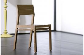 Ethnicraft - Ex 1 Eg spisebordsstol i træ hos BoShop.