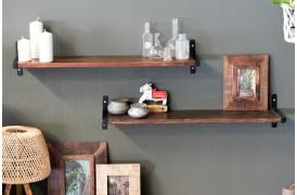 Her ses et billede af Factory væghylden med T-beslag fra vores Unika Collection.