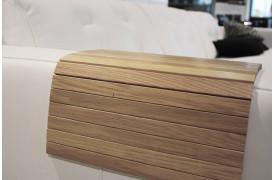 Med en sofabakke til din sofa får du en praktisk opbevaringsplads ved dit sofaarmlæn.
