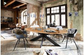 Blues er en elegant spisebordsstol fra Bodahl her set i farven Matt light brown.