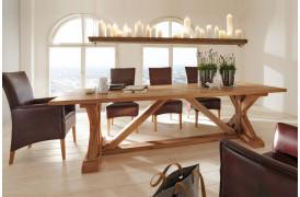 Versailles plankebordet og spisebordet i den flotte Olie finish er her vist i en spisestue.