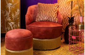 Fringe Me Up lounge stol fra Bold Monkey i en flot gammel-rosa med frynser.