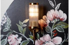 Angel On Fire væglampen fra Bold Monkey omfavner slanke og moderne linjer.