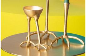 The Golden Heron er en skål, der er ophejt på et lille benstel fra Bold Monkey.