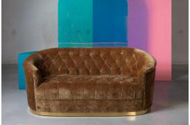 Denne sofa fra Bold Monkey er næsten for smuk til at sidde i.