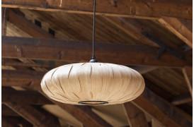Her ses et billede af den ovale Bond loftslampe / pendel fra Dutchbone.