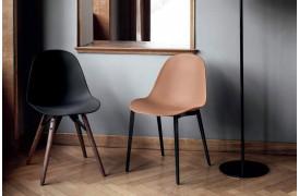 Mood stolen fra Bontempi er udover at være elegant også komfortabel.