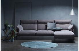 Bella sofaen har bløde ryghynder med stor komfort og ses her i en Opstilling 2.