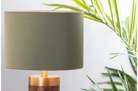 Den tekstile overflade er glat, der giver lampeskærmen et lækkert ekslusivt look.