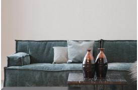 Shade sofaen tilbydes blandt andet i fløjl og mange andre stoftyper.