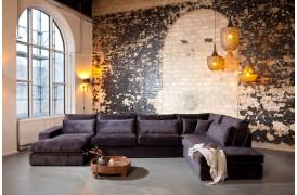 Trebbia sofaen er en stilfuld stofsofa til din stilfulde indretning.